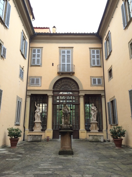 Palazzo Ximenes courtyard